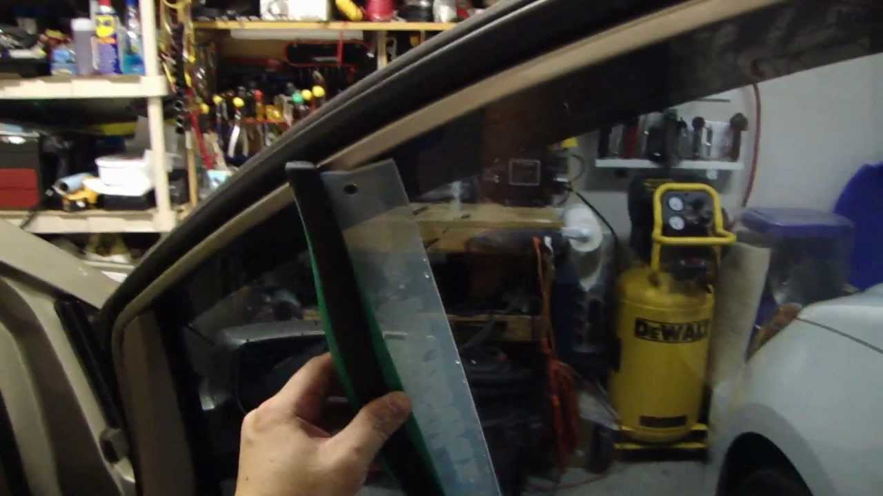 How To Clean The Inside Surface Of Car Windows Without Streaks