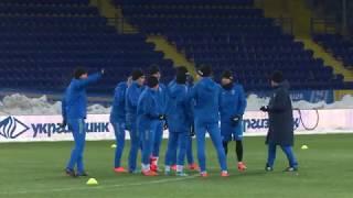 Морозне тренування в Харкові: футболісти та футболістки разом
