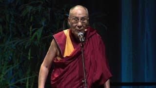 Dalai Lama savo paskaitoje žarstė patarimus, kaip tapti laimingesniais