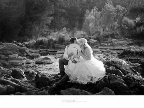 wedding-photographer-perth- -chapel-farm-&-windy-creek-winery,-swan-valley---monique-+-rod