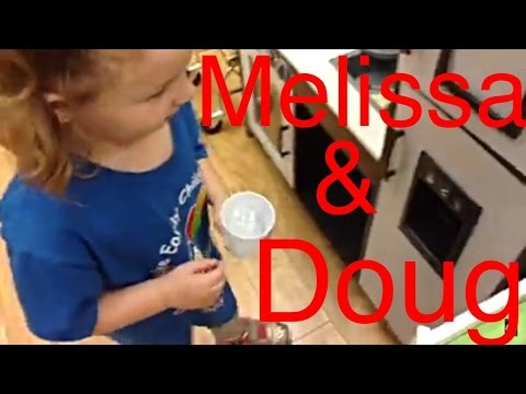 Melissa Doug Deluxe Kitchen Ice Machine Demo