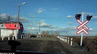 Проезд ЖД переезда на красный