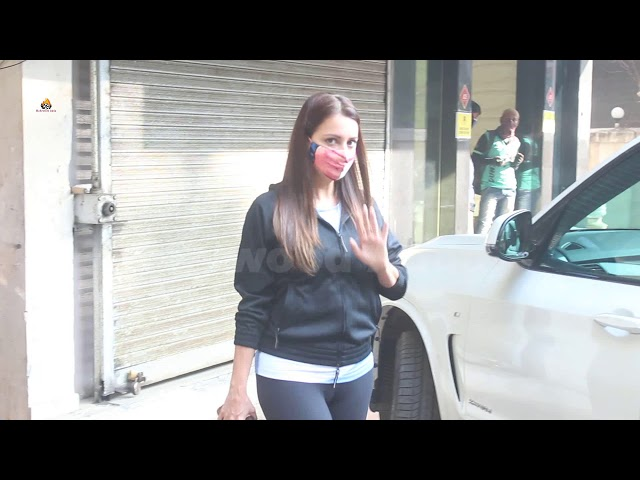 Exclusive Zoya Akhtar & Dia Mirza Snapped In Bandra