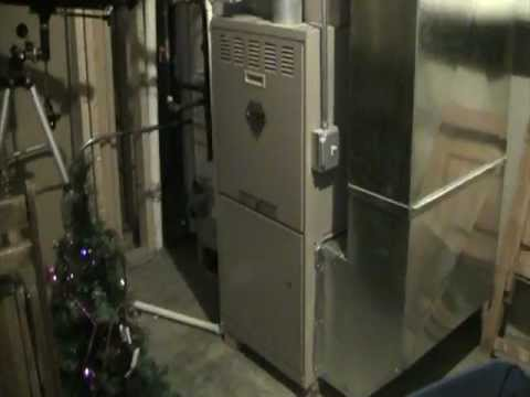 York Diamond 80 Gas Furnace Running in COOL Mode! - YouTube