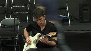 """Как играть """"Песню без слов"""" """"показывает"""" сам Каспарян. Видео с репетиции во время настройки"""