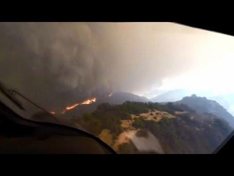 من قمرة الطائرة: شاهد عملية إنقاذ على قمة تلال كاليفورنيا المحروقة…  - نشر قبل 48 دقيقة