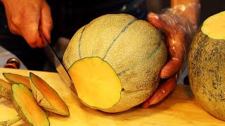 Download Amazing Fruits Cutting Skills In Myeong-dong  / Korean Street Food  / 깔끔한 명동 과일집 컷팅 스킬 Mp3 and Videos