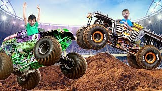 Monster Jam Model Kits - Grave Digger and MAX-D Monster Truck