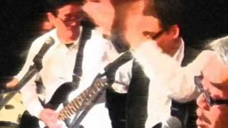 スーパーミニバンドの「人間なんて」です。田辺さんのギター、井口さんのベースです。ドラムはダウンタウンズの小松さん。ハーモニカ&ボン...