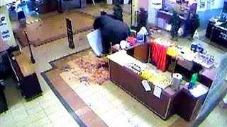 CCTV appears to show Kenyan soldiers looting the Nairobi mall