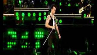 Robbie Williams- Love Supreme (live @ Knebworth)