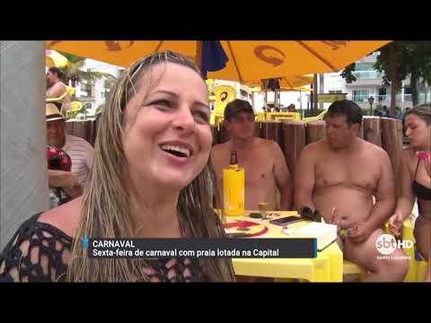 Sexta-feira de Carnaval com praias lotadas em Florianópolis