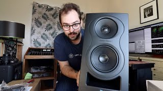 Kali Audio IN-5 Unboxing & Review - THESE SPEAKERS SLAP!