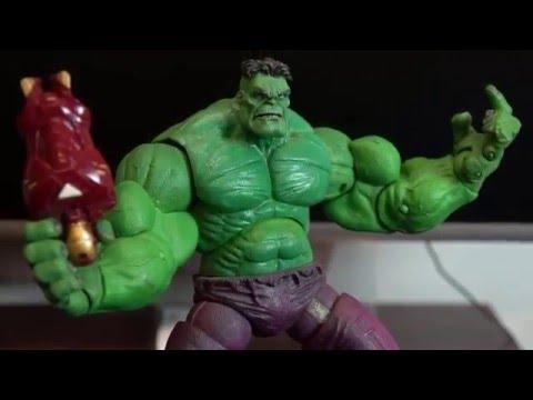 Hulk Marvel Legends Icons 12-inch Avengers Action Figure Toy Biz Showcase