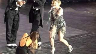 Madonna Tells Ariana Grande she has Split Ends