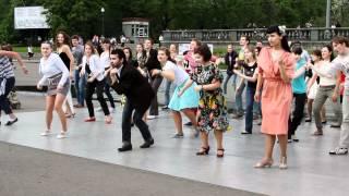 День Танца в Парке Горького. Москва. 7 мая 2012.