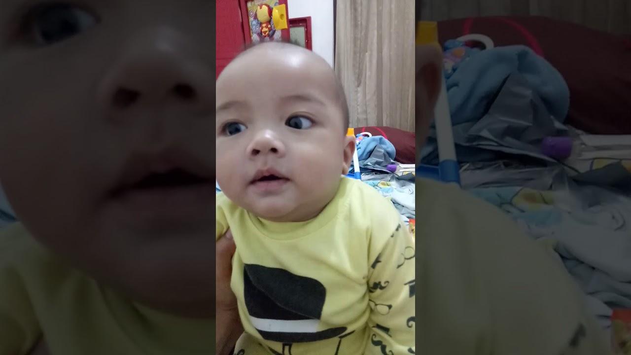 Vidio lucu expresi bayi saat bangun tidur,lucu,gemes - YouTube