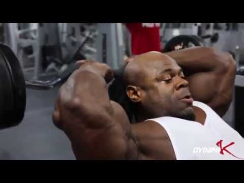 Kai Greene workout in the gym.