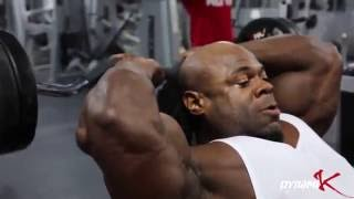 Kai Greene workout in the gym.