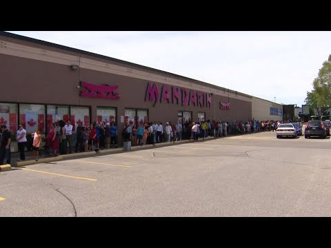 Hundreds Line Up For Free Canada Day Buffet At Mandarin