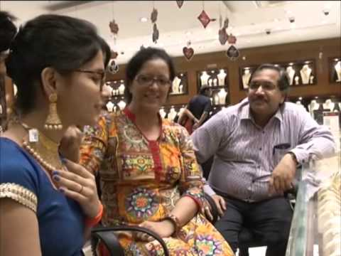 Fall in gold prices boost demand in western India