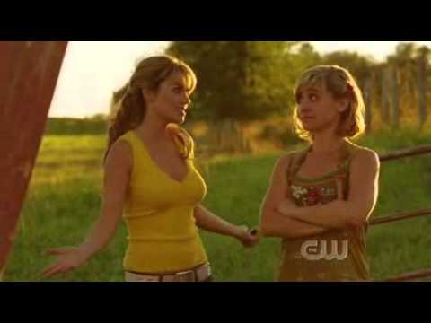 Smallville - 6x02 - Sneeze - Lois takes Chloe to the crashed barn door..