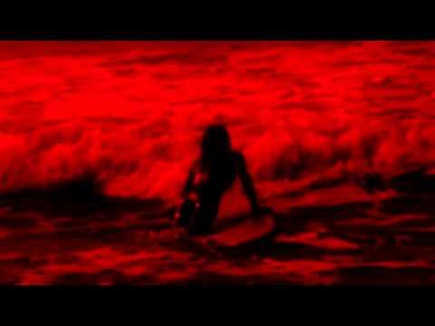 LA FEMME - SUR LA PLANCHE (official music video)