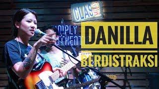 [HD] DANILLA - BERDISTRAKSI   Live From Authenticity - Palembang 2018