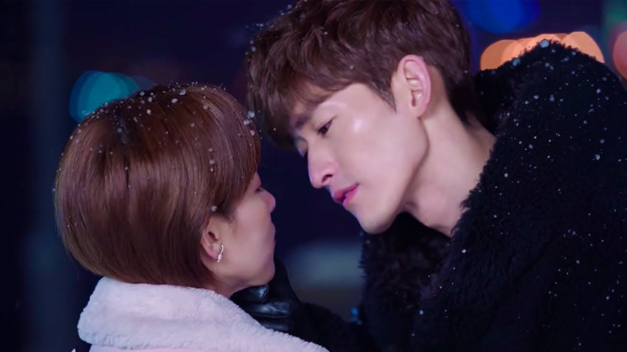 💓Handsome boss kiss in the snow! 💓Chinese Drama Mix Hindi Song💓Office romance