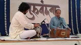 Shri Chinmay Kolhatkar at his best in Kolhapur. Tabla-Aashay Kulkarni
