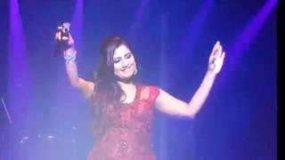 Shreya Ghoshal LIVE in Concert - Dhak Baja Kashor Baja