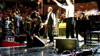 "Children in need rocks - Take That & Robbie Williams ""Hey Jude"""