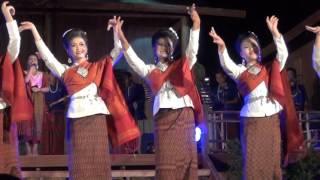 ฟ้อนเอิ้นขวัญ - วงโปงลาง วนศ.กส.เทศกาลเที่ยวเมืองไทยปี 2559【Isan Lam Ploen】