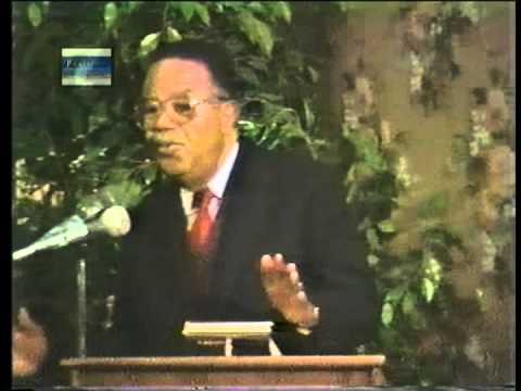CAPtions 1987 Dr Ralph Abernathy