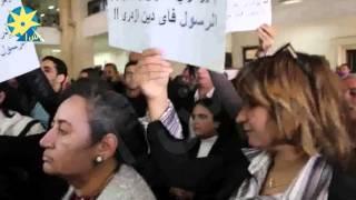 بالفيديو: وقفة تضامنية مع إسلام البحيري من داخل محكمة زينهم الإبتدائية