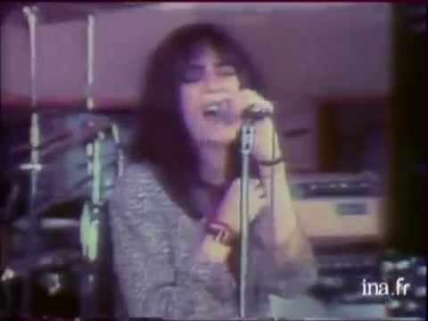 Patti Smith  Because The Night  1978  French TV