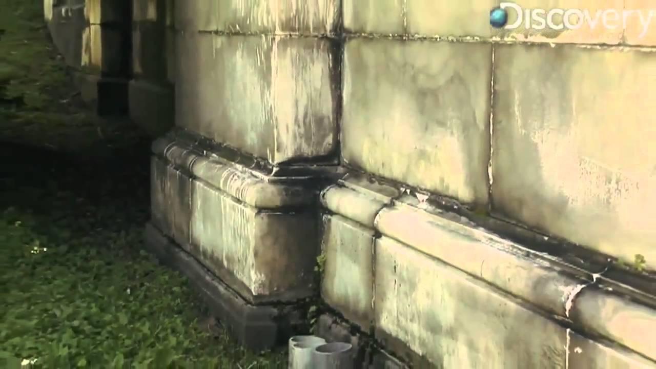 How Does Acid Rain Affect Buildings & Statues?