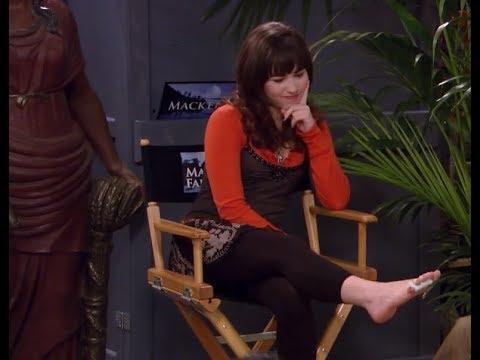Demi lovato sexy feet