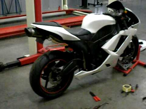 Kawasaki zx6r 2007 16000 rpm exhaust sound - YouTube