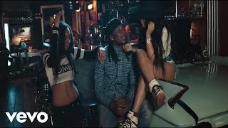 R2bees - Killing Me Softly[video]