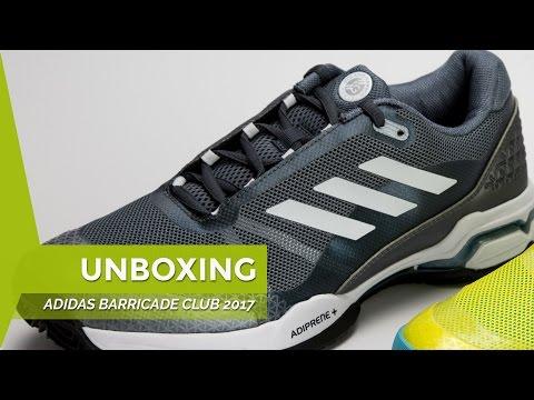 low priced 72073 1fc71 El gris metálico domina estas zapatillas dándole un cierto toque vintage.  Los blancos quedan para los detalles, mientras que el negro está relegado a  la ...