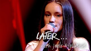 Baixar Sigrid performs new single Sucker Punch on Later… with Jools Holland