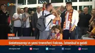 #CANLIYAYIN - Galatasaray'ın yeni transferi Kolombiyalı futbolcu Radamel Falcao, İstanbul'a geldi