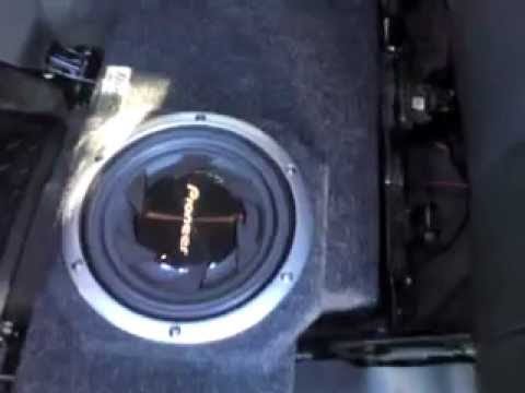 Bose Stereo >> Chevy avalanche bose system hook up - YouTube