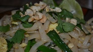How To Make Quick And Easy Home Made Pad Thai Recipe