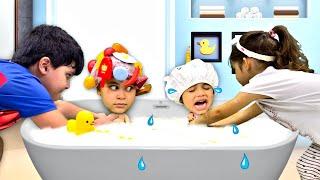Kai e Clara Brincam com Bebês e Fingem ser Pais Pela Segunda Vez