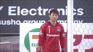 右CKからゴール前で競り合ったボールがこぼれ、エウシーニョ (川崎F...