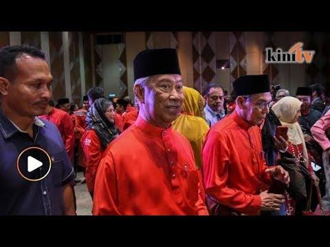'Orang Melayu sudah kenal siapa Umno-PAS, sanggup cium mulut dengan perompak'