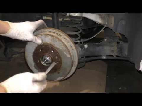 VW Polo Sedan & Skoda Rapid - Как снять тормозной барабан