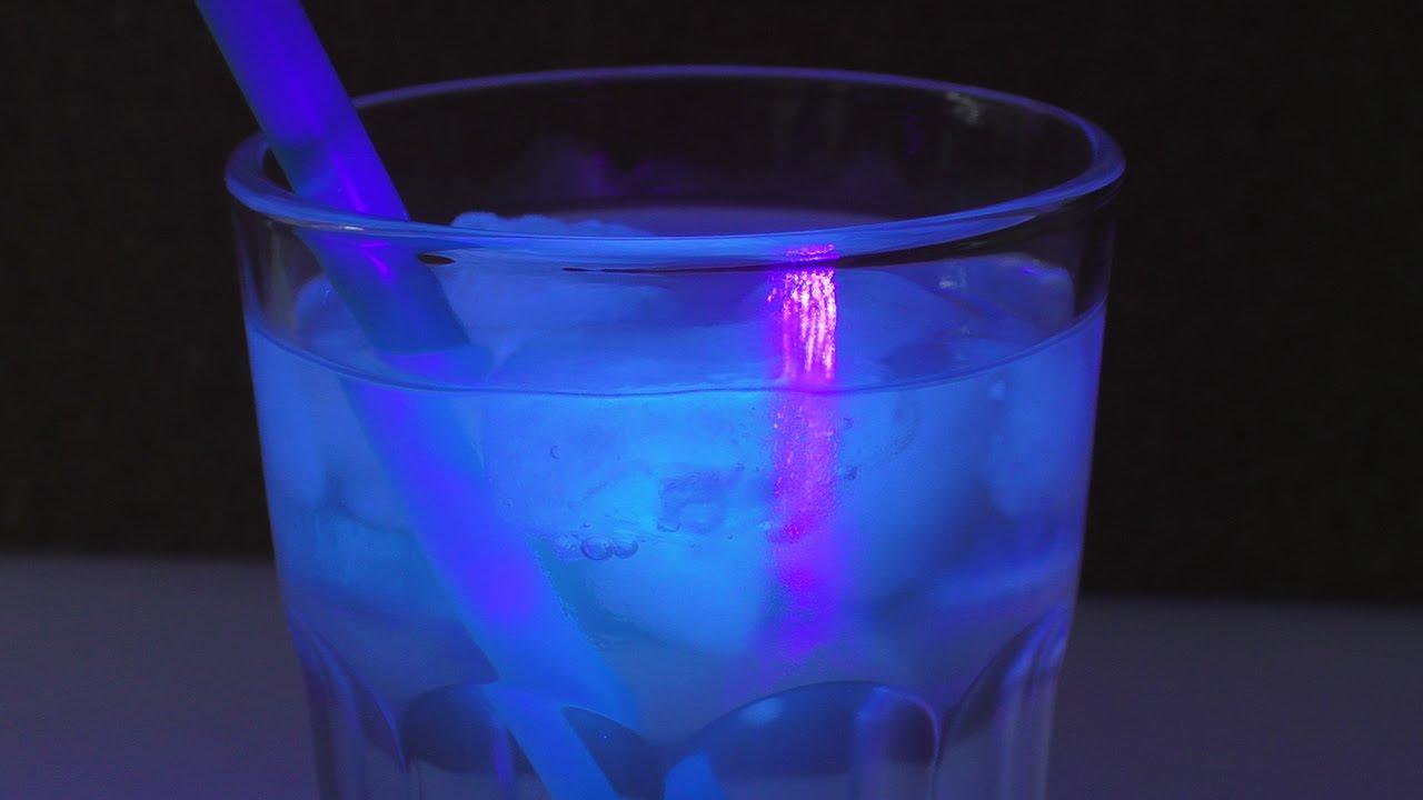 leuchtende eisw rfel selber machen tonic water eis super sch ne sommer idee youtube. Black Bedroom Furniture Sets. Home Design Ideas